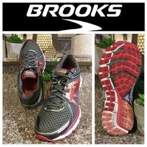Brooks Adrenaline 17 GTS DNA Running Shoes
